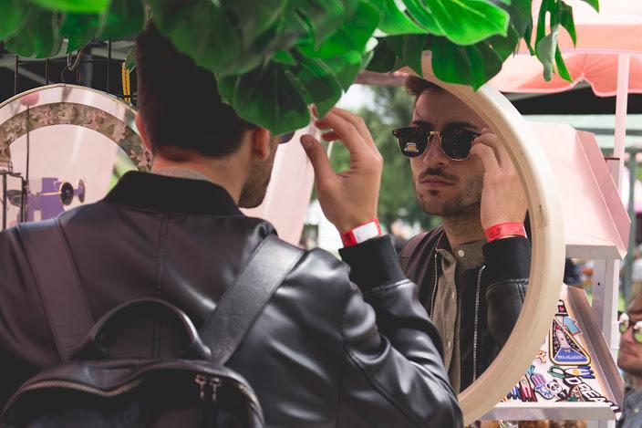 Festival markt Metropolis Rotterdam zonnebril